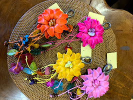 革のお花ストラップ